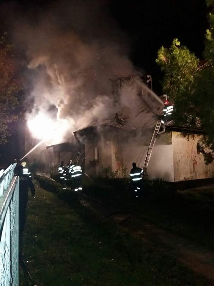 Incendiu la o biserică din Ploiești