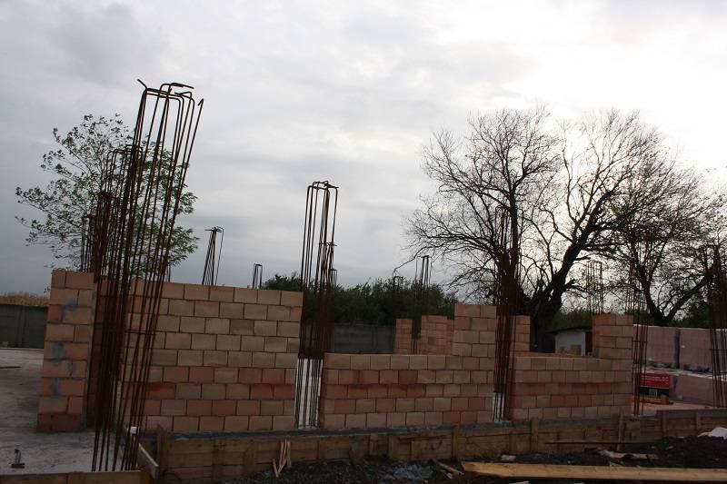Noua grădiniţă din Tomşani prinde contur
