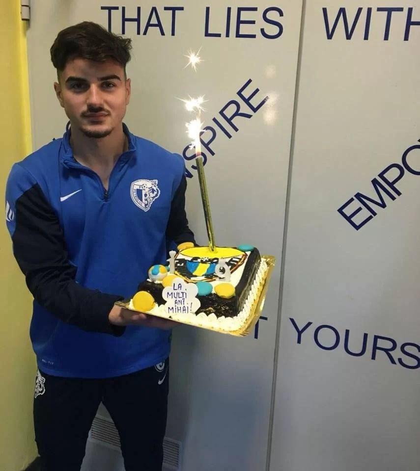 """Abia sosit de la Viitorul, internaționalul de juniori ploieștean Mihai Ene a și fost sărbătorit de """"lupi""""!"""
