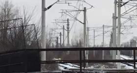 Circulația trenurilor blocată în Gara de Vest. O pasarelă s-a prăbușit peste linii