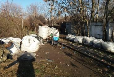 1,5 tone deșeuri reciclabile descoperite în zona Găgeni