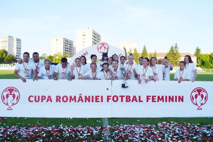 Cine este Mihaela Merlan, MVP-ul lui CSȘ Târgoviște în finala Cupei României 2018 la fotbal feminin. Zeci de kilometri de zi pentru o pasiune. Trăiește din banii părinților, îi place Teixeira și scrie poezii