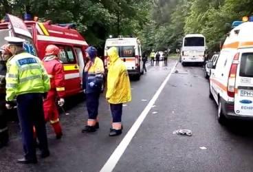 Accident mortal la Sinaia, cu un autocar plin de turişti francezi implicat
