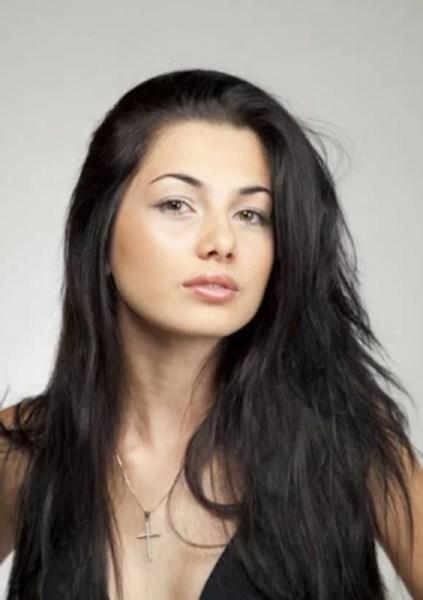 Nora lui Dragnea, mizileancă participantă la miss România, cuscrul – preot fost paroh în Ploieşti