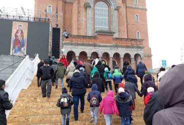 Pelerini din Ţintea- Băicoi, la sfinţirea Catedralei Mântuirii Neamului