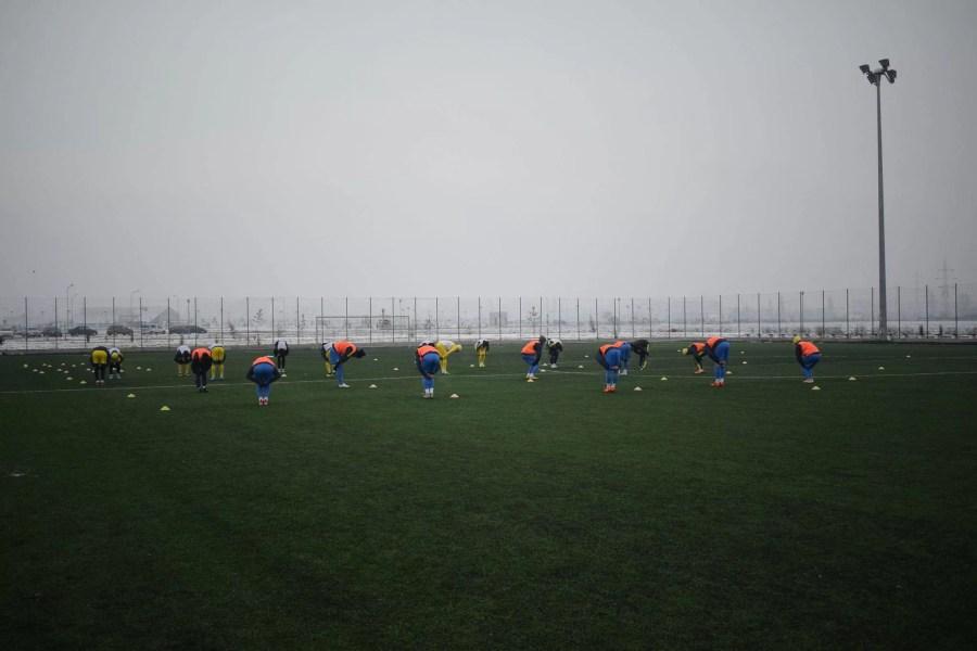 Când trupele din eșalonul de elită județean fac deja meciuri-test, echipa fanion a Prahovei mai are până la primul amical
