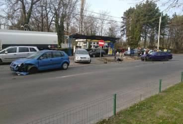 Accident rutier urât la ieșirea din benzinăria Cina