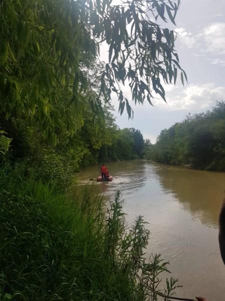 Corpul bărbatului dispărut în râul Ialomiţa a fost găsit după căutarea cu scafandri