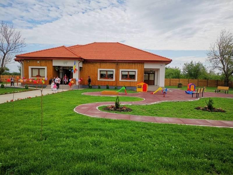 A fost inaugurată Grădiniţa Tomşani, construită pe fonduri europene