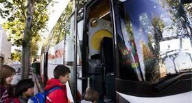 Transportul sigur al copiilor în microbuze școlare și autocare pentru călătorii educaționale