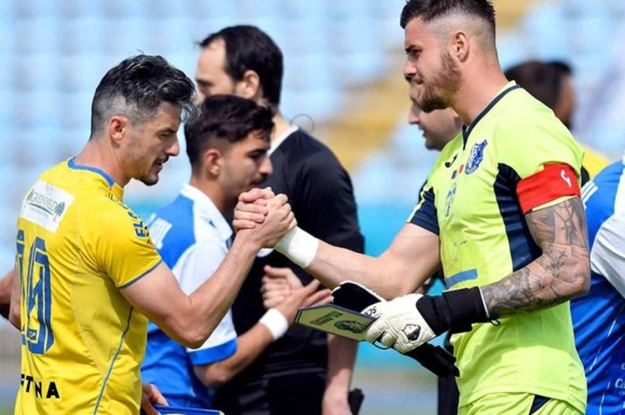 FC Petrolul a semnat, astăzi, contracte cu doi fotbaliști noi. Unul este o revenire, iar altul, un împrumutat cu o cotă mare la nici 17 ani