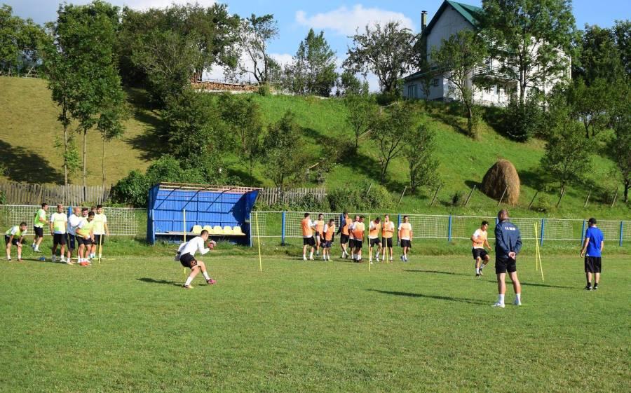 Singura divizionară C prahoveană, CS Blejoi, pregătește exclusiv pe plan local debutul absolut în campionatul Ligii a III-a. Cantonament la Valea Doftanei și teste în propriul județ