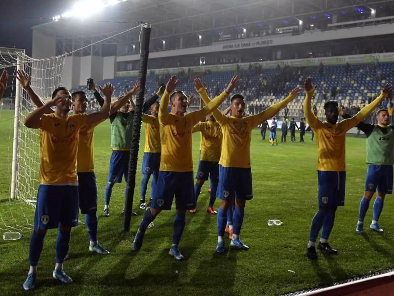A fost acum marea împăcare cu fanii sau se amână până după derbiul cu Rapid? – numai despre ce se întâmplă la FC Petrolul, echipa de suflet a ploieștenilor și a prahovenilor (episodul 5)