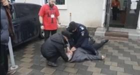 Jandarm erou a resuscitat un alegător căzut la intrarea într-o secţie de votare din Băicoi