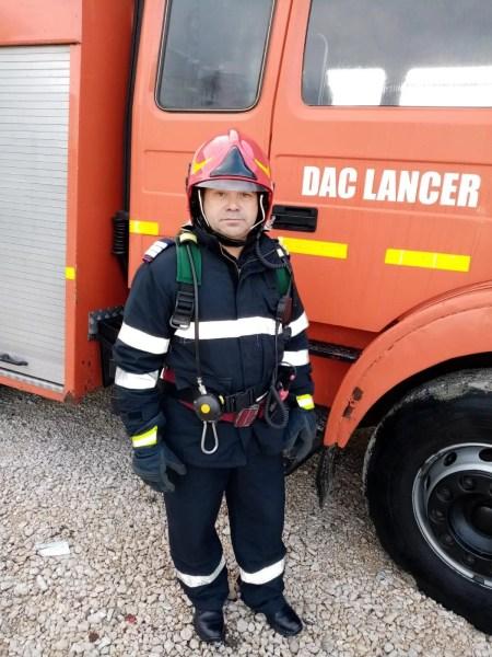 Pompier erou în timpul liber