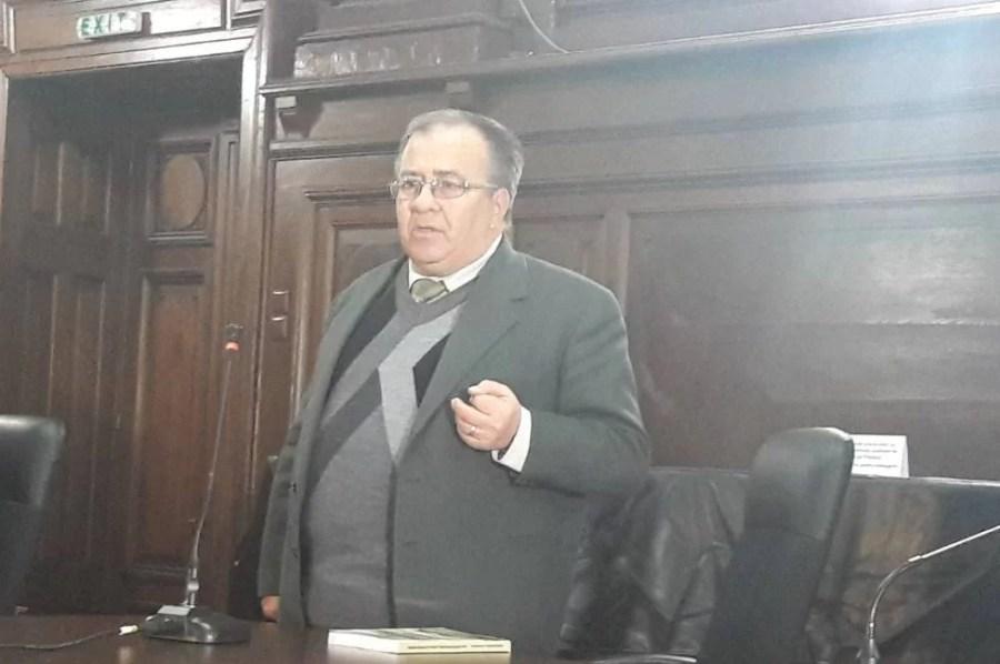 Prof. dr. în istorie Constantin Dobrescu trece printr-o grea încercare