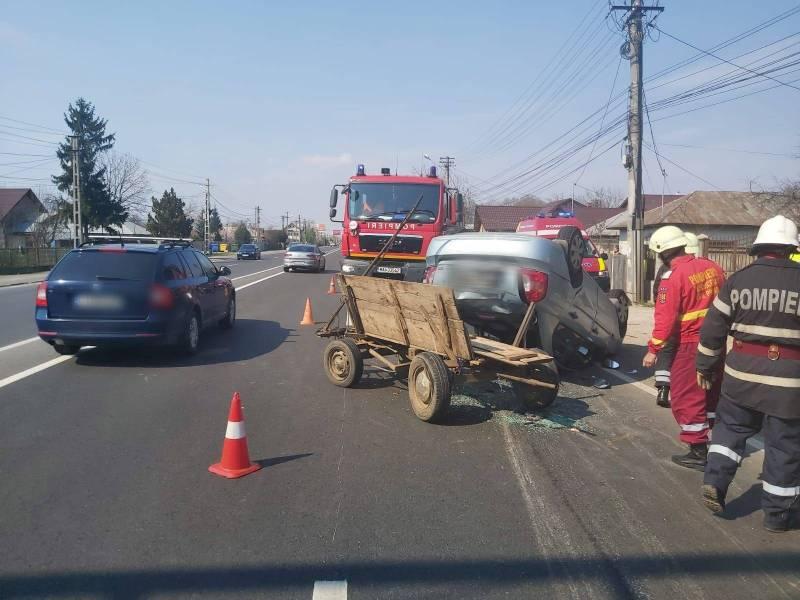 Din accidentul de la Bărcăneşti au scăpat şi caii şi cei 6 oameni implicaţi!
