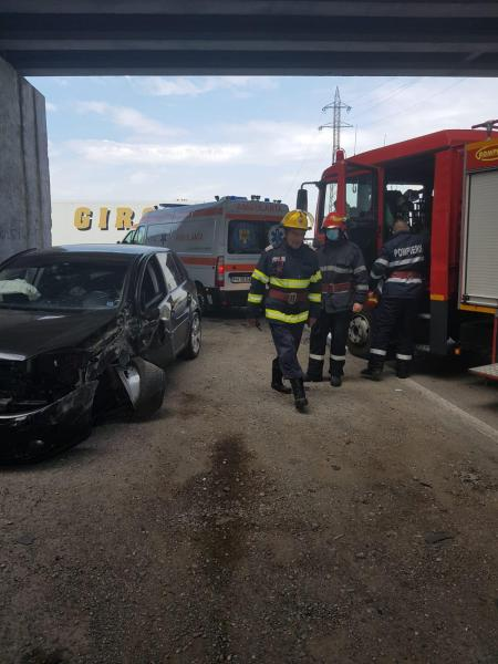Accident grav sub podul de la ieşirea din Ploieşti spre DN72