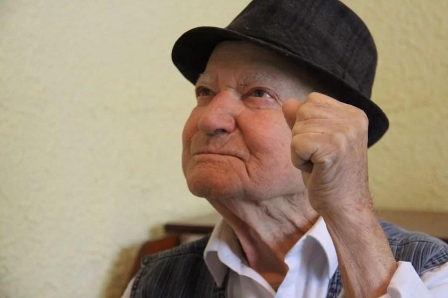 ION MÎZGOI (101 ANI), DIN BĂTRÂNI, SUPRAVIEȚUITOR AL CELUI DE-AL DOILEA RĂZBOI MONDIAL, SĂRBĂTORIT DE INSTITUȚIA PREFECTULUI