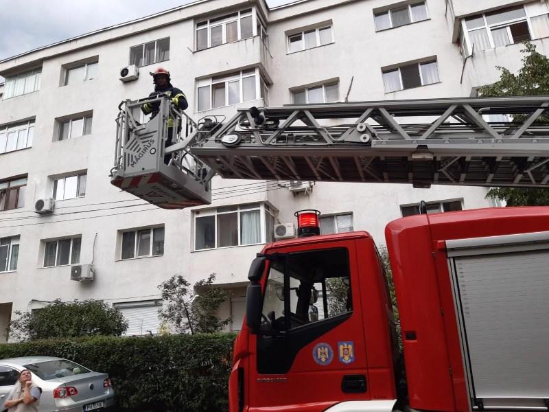 Pompierii prahoveni au efectuat cu succes operaţiunea rândunica