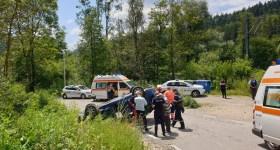 4 adolescenţi aflaţi în vacanţă la Sinaia, răniţi într-un accident auto pe Zamora (imagini)