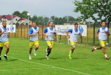 """Costel Enache completează lotul pentru """"Primvs Derby"""" cu… juniori A de la fosta grupă a lui Gheorghe Liliac! Petrolul va avea în raportul de joc, contra Rapidului, nu mai puțin de opt fotbaliști """"U 20""""!"""