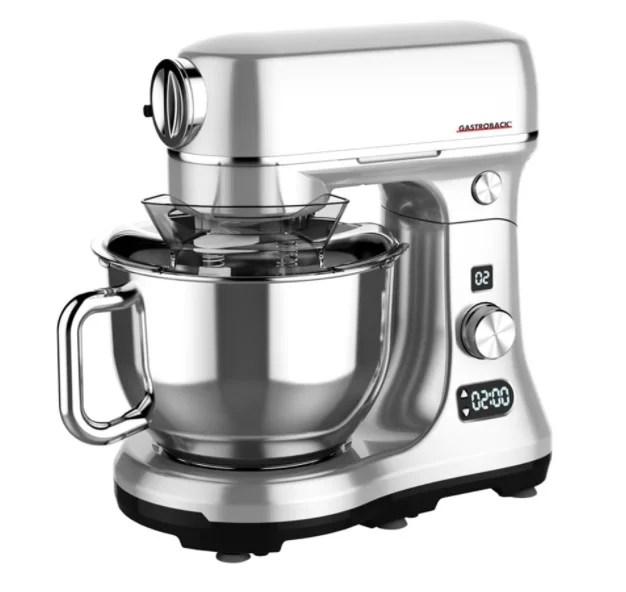Diferența dintre un robot de bucătărie și un blender și care sunt avantajele primului