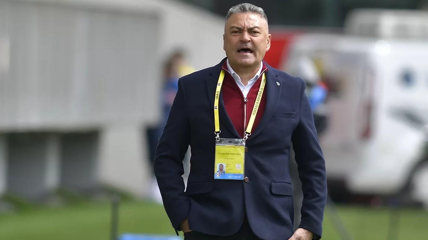 """Îl vom vedea marți, la Blejoi, pe viitorul antrenor principal al Petrolului? Discuții cu Ilie Stan, dar negocierile nu se opresc, încă, la tehnicianul Gloriei, mai fiind și alte nume """"pe țeavă""""!"""