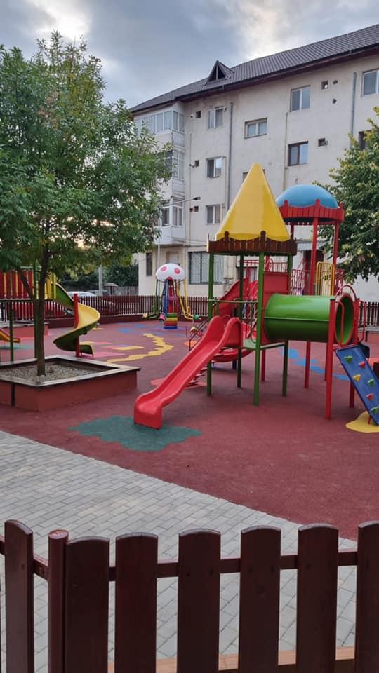 Locuri de joacă inaugurate la Filipeștii de Pădure