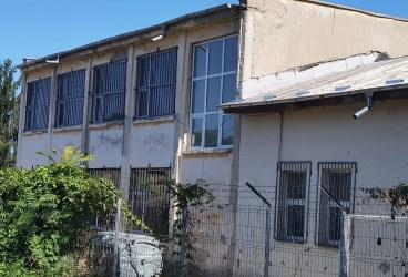 Iohannis, chemat să viziteze și școala din Mimiu