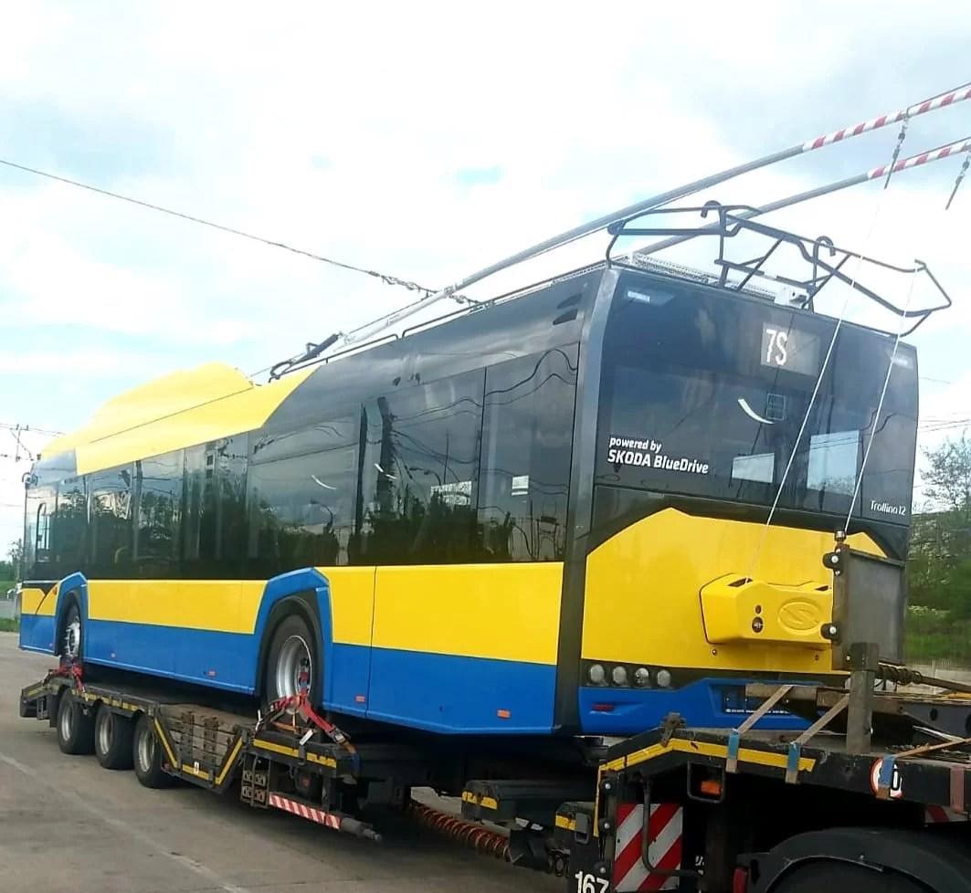 Au fost aduse la Ploiești ultimele 3 troleibuze noi din proiectul POR