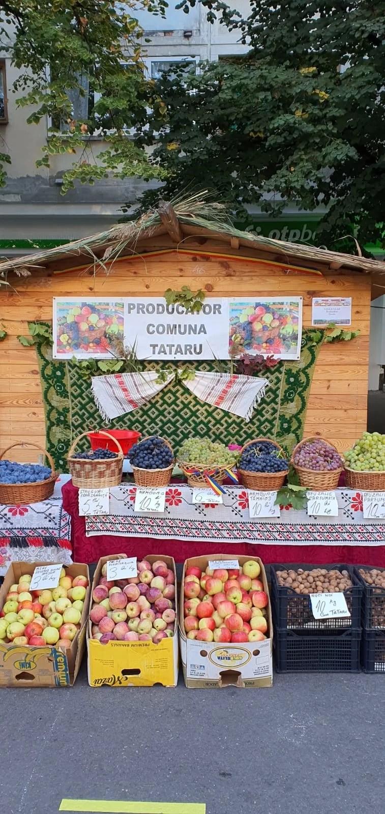 """Astăzi a fost deschis, la Ploiești, """"Târgul Toamnei""""."""