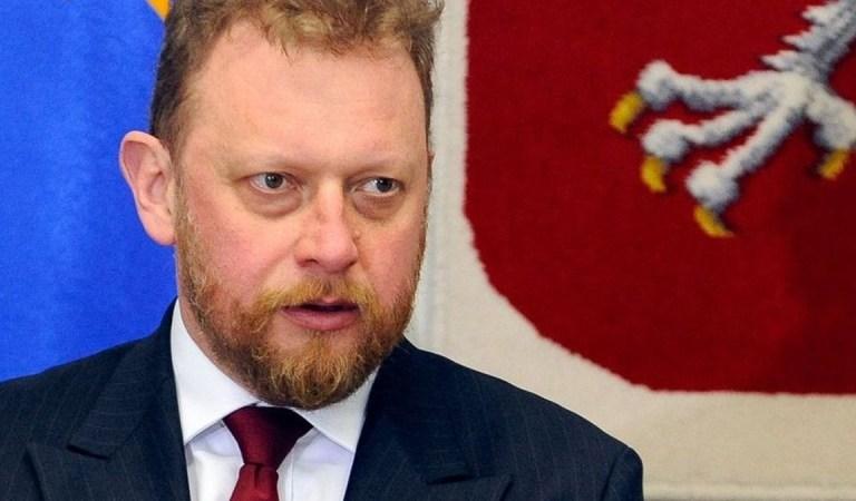 """Szumowski przygotowuje się do wylotu – """"Powiem szczerze: nie muszę być ministrem. Naprawdę mam dobry fach w ręku""""."""