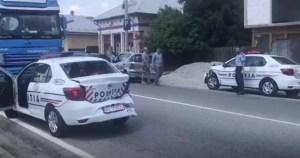 Trei mașini de poliție, implicate într-o tamponare în lanț