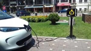Schimbări radicale la construcțiile noi: Dezvoltatorii sunt obligați să facă stații de încărcare pentru mașinile electrice și sisteme de reglare a temperaturii