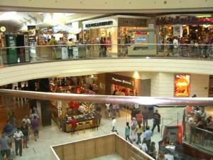 Mall şi două ansambluri rezidenţiale