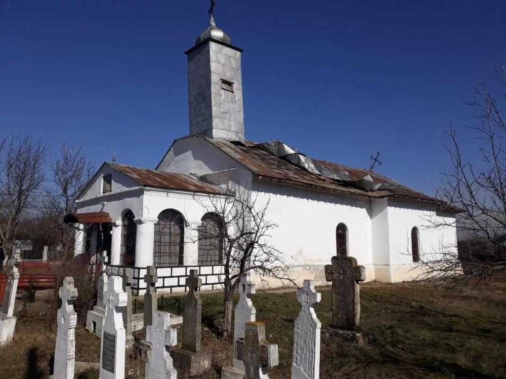 Acoperi biserica