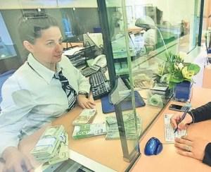 Opt bănci străine au ținut intenționat România în sub-dezvoltare
