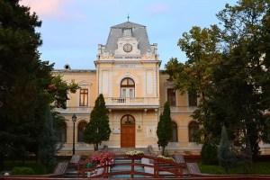 Muzeul Judeţean Olt: CEAI, DRAGOSTE ŞI LUME