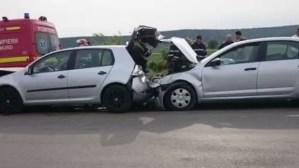 Convoi de mașini cu români veniți din Italia, implicat într-un accident rutier în Cluj
