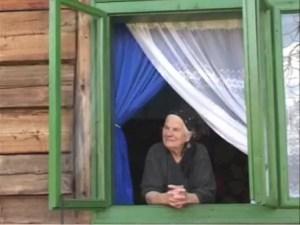 CUTREMURĂTOR - Bătrânii singuri dacă nu mor atinși de COVID 19, mulți dintre ei vor muri de foame
