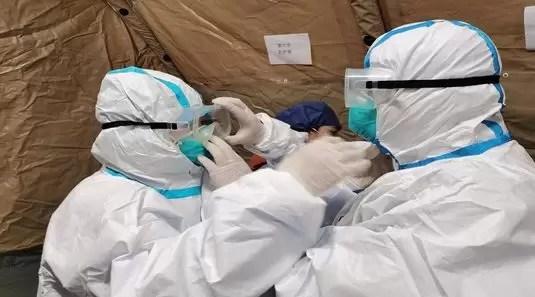 pandemie-1 VÂRFUL epidemiei de coronavirus va fi înregistrat după Paște