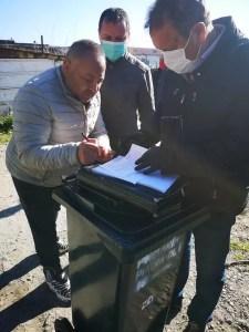 A început distribuirea pubelelor pentru gunoiul menajer în oraşul Piatra Olt