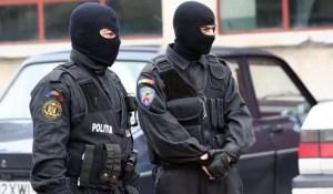 Un oltean i-a amenințat pe polițiști, LIVE pe Facebook
