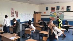 În tot mai multe școli din Olt, elevii vor învăța online
