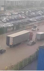 Slatina: Canalizarea nu a făcut față ploilor din ultimele ore
