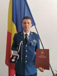 Emblema de Onoare a Ministerului Afacerilor Interne cu Însemn de Război, acordată unui militar oltean