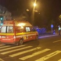 Accident GRAV: doi polițiști au fost ARUNCAȚI în șanț de un șofer neatent