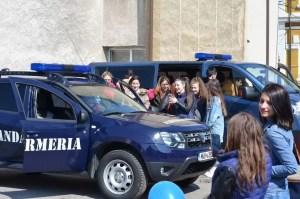 Jandarmii au spus PREZENT în prima zi de școală