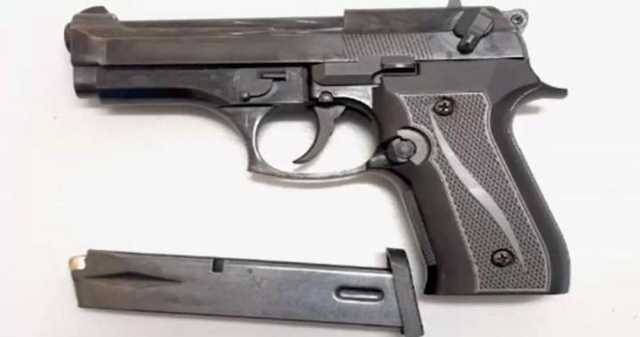 pistol Acasa